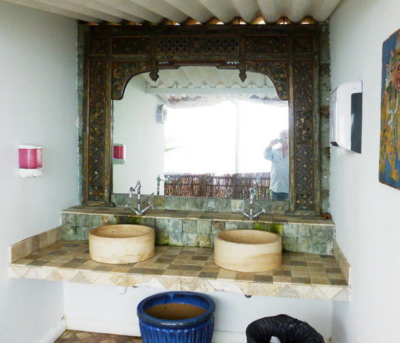 Anjuna Washing area. Big mirror and sinks by Bayutrading