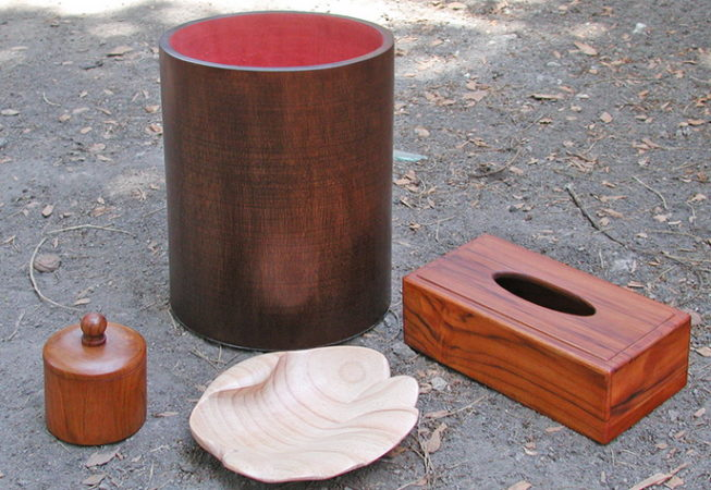 Set of wooden rubbish bin and box kleenes box for cotton and soap holder
