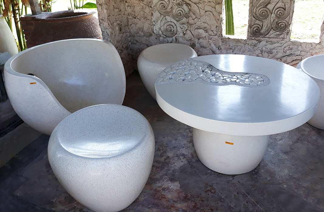 White dining garden set made from resin from Bali
