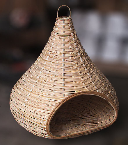 Woven Ratten round hut doghouse handmade furniture from Bali