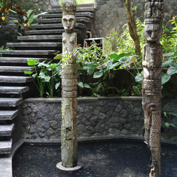 Bali Totem pillar wooden decoration for outdoor
