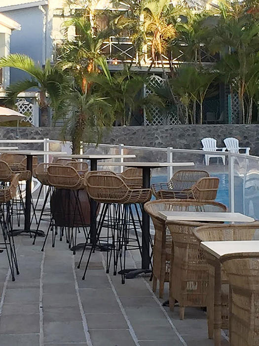 Outdoor bar stools an rattan and metal furniture