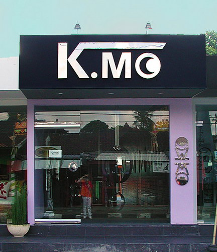 KMO Boutique front design and sign