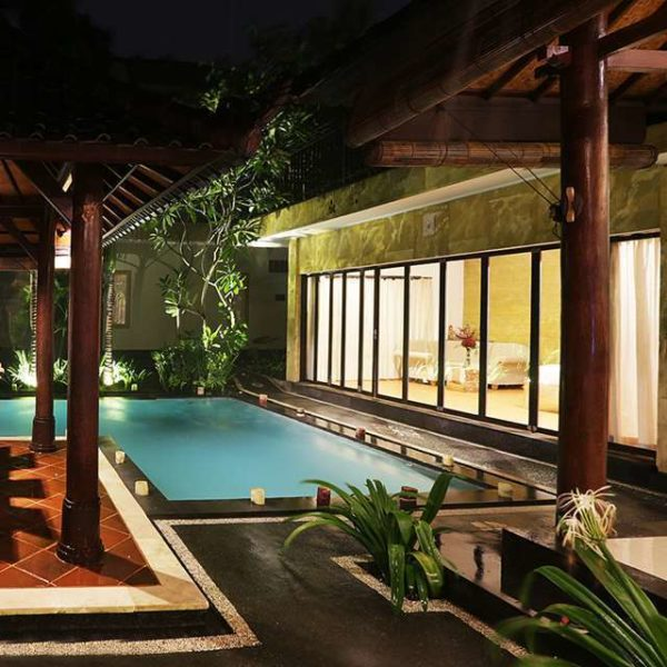 outdoor lighting for the garden with swimming pool