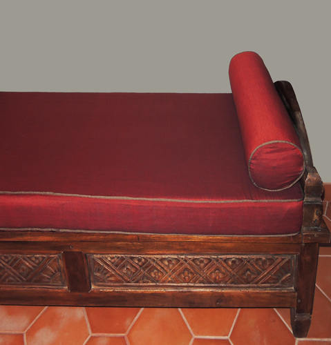 Solid teak indonesian sofa with cushion from Bali Bayu International Trading