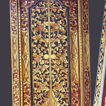 Double Balinese door in teak wood with flower carving and gold decoration and painted