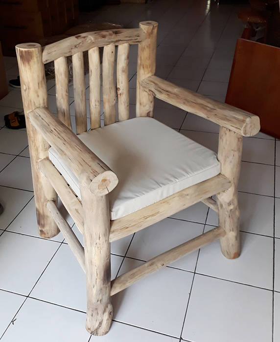 Hardwood arm chair from Indonesia