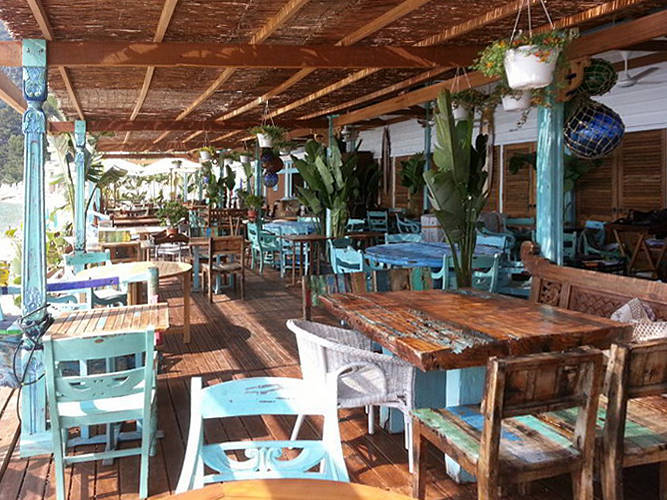 Restaurant furniture from Bali Sourcing Agent