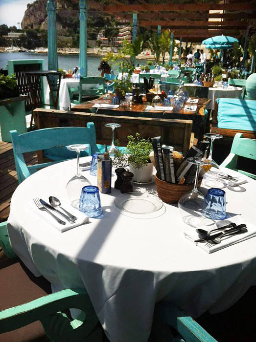 round table cutlery and hospitality supplies by Bayutrading from Bali Indonesia