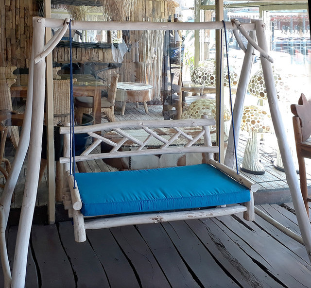 swing couch white and blue by Bayu trading