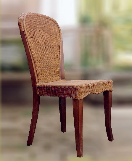 Mahogany and woven rattan chair with backrest decorated with woven pattern