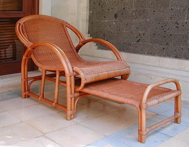 Woven Rattan chair handmade with extra rack puff Bayutrading
