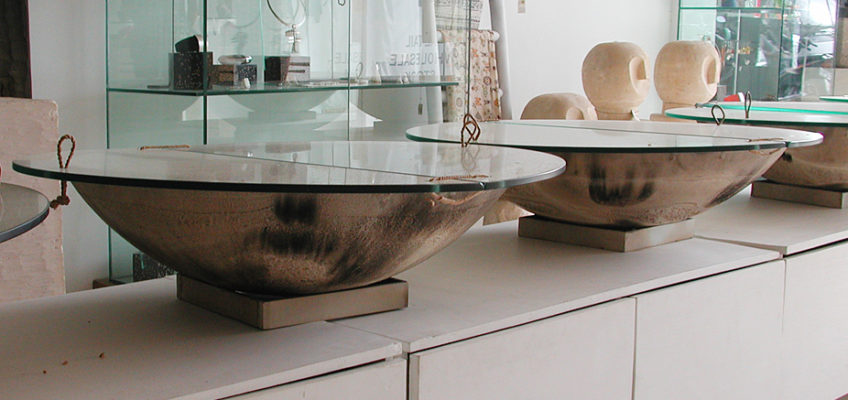 display jewelry in circel under glass by bayu trading