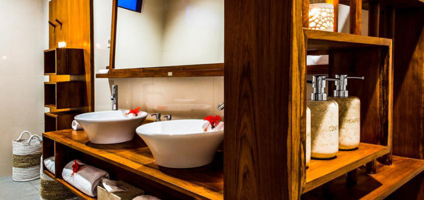bathroom furniture closet and sink made from mahogany painted teak by bayu international trading